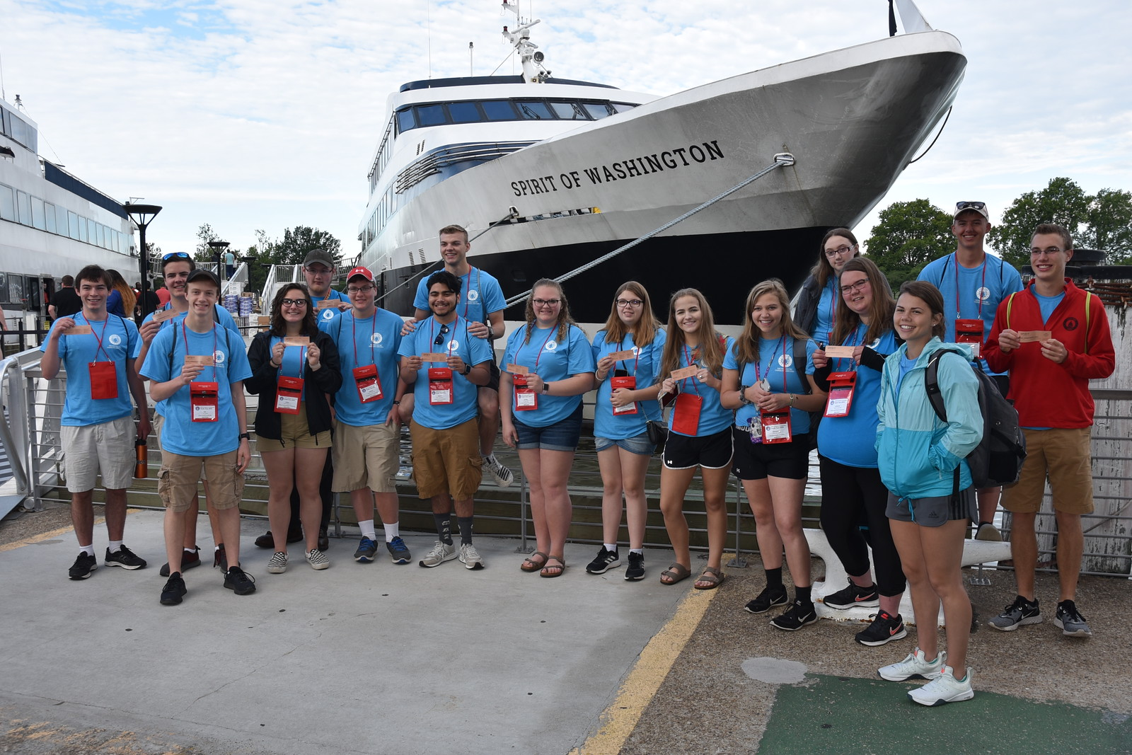 Youth tour on a Potomac River cruise